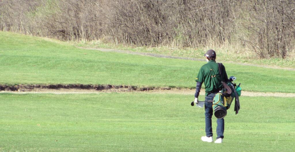 High school golfer at Hartford Greens Country Club